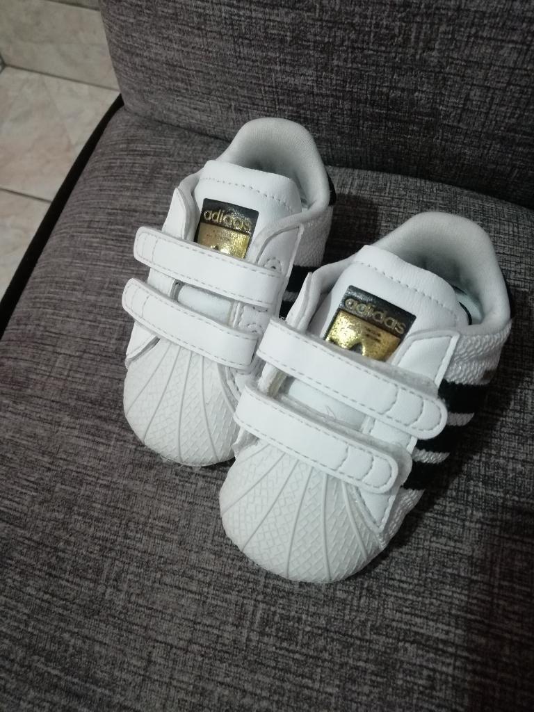 5162d303bd4 Zapatillas Adidas Talla 17 - Ica