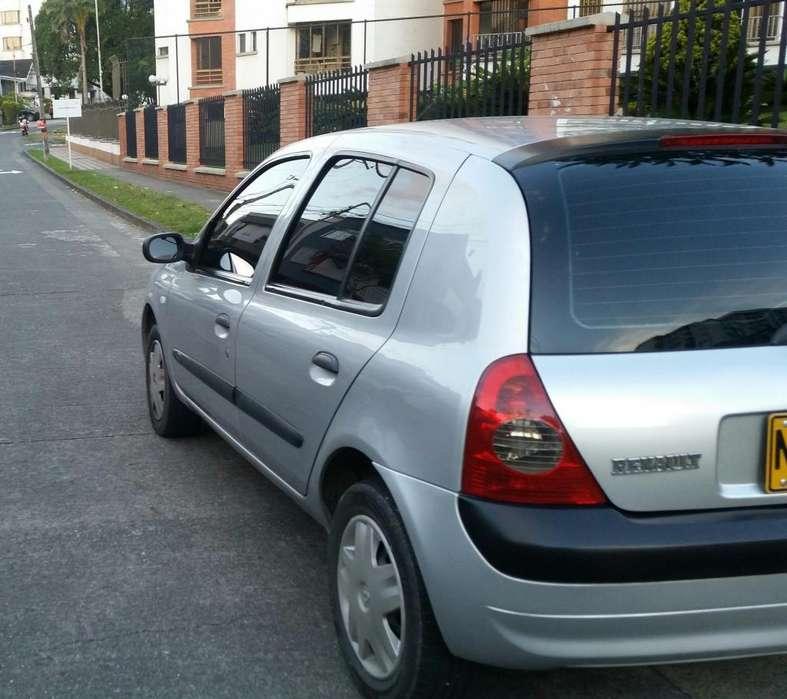 Renault Clio  2009 - 121000 km
