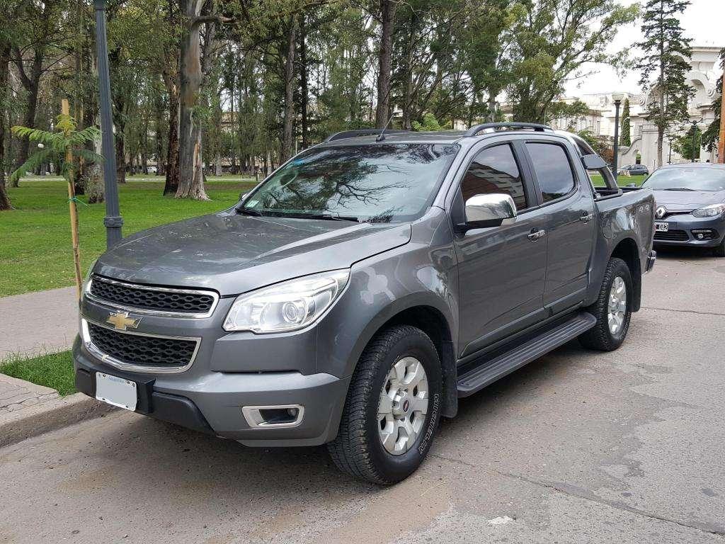 Chevrolet s10 LTZ AUT 4x4  a 0km! 2013 PERMUTO!