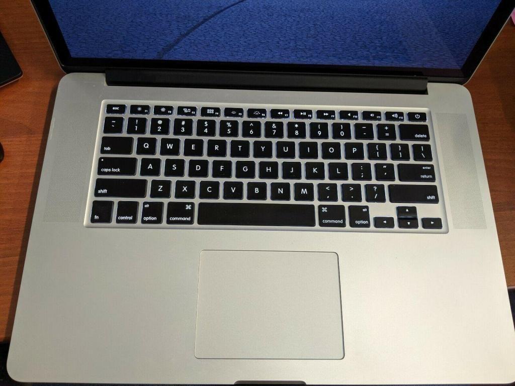 Apple MacBook Pro (Retina, 15-inch, 2013) Core i7  54 ciclos