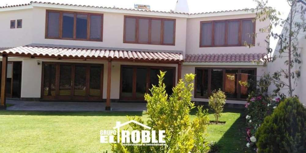 Alquilo Hermosa Casa en Zona Residencial Para <strong>ejecutivo</strong>s Arequipa