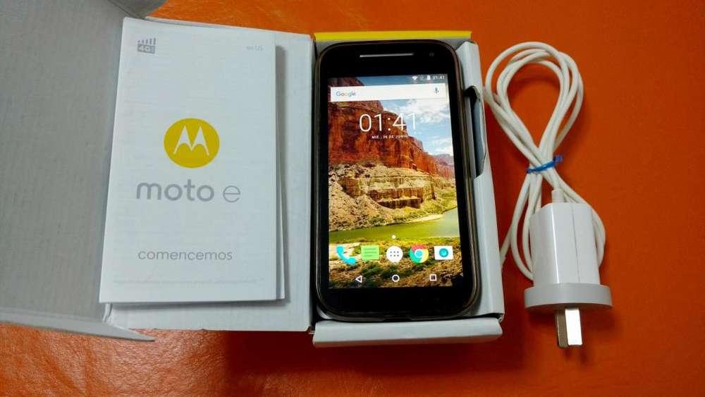 Motorola Moto E2 4G LTE - LIBRE DE FABRICA PARA CUALQUIER COMPAÑIA!!! (incluye Caja y accesorios)