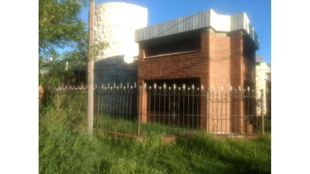 Enrique Policastro 4000 - UD 270.000 - Casa en Venta
