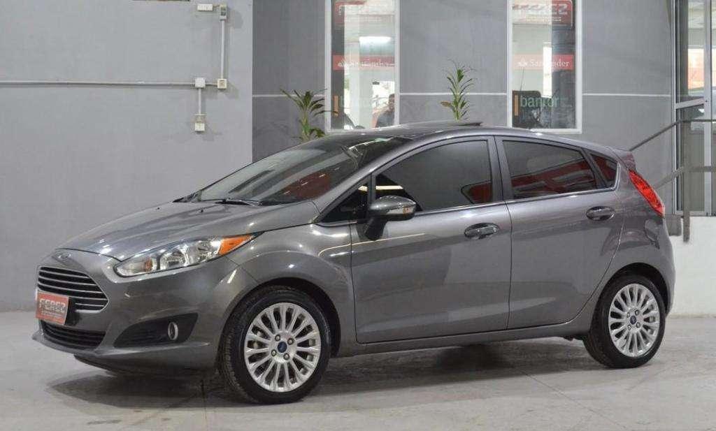 Ford Fiesta 1.6l se plus powershift 2014 con gnc 5 puertas