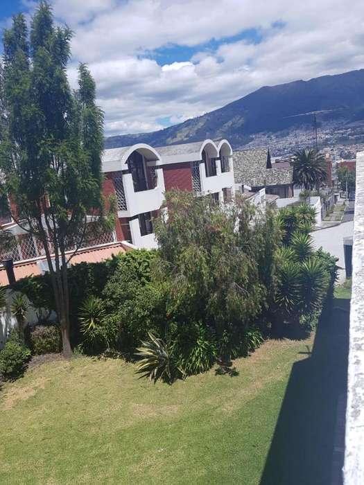 Hermosa Casa 860 m2 terreno, 500 m2 construcción Sector Bellavista