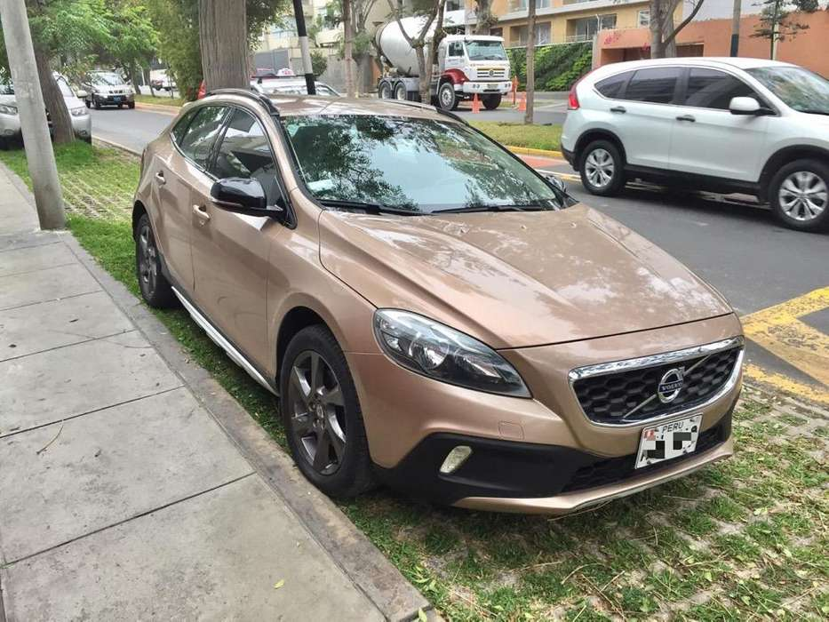 <strong>volvo</strong> V40 2013 - 39000 km