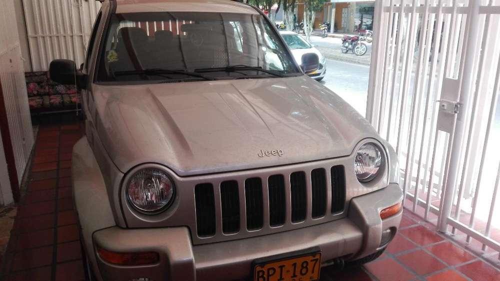 JEEP Cherokee 2005 - 140500 km