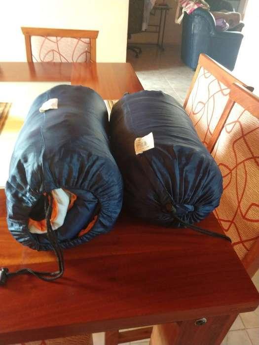 Dos Bolsas de Dormir Camping