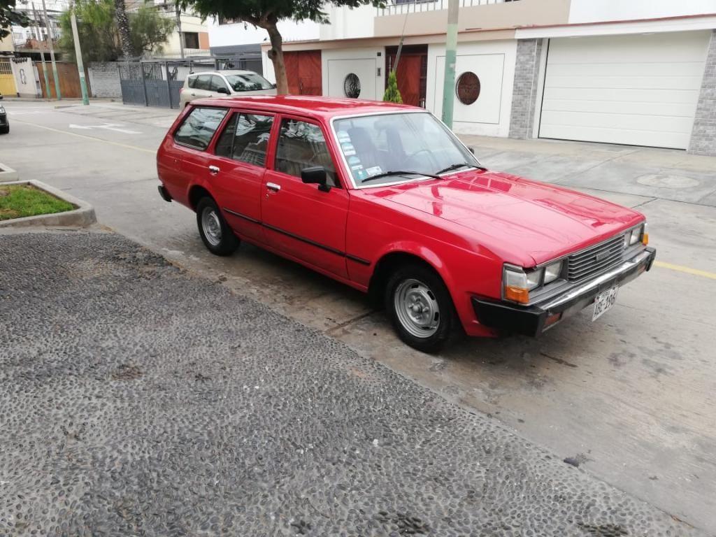 Toyota Corona 1982  2.0cc  Full Equipo