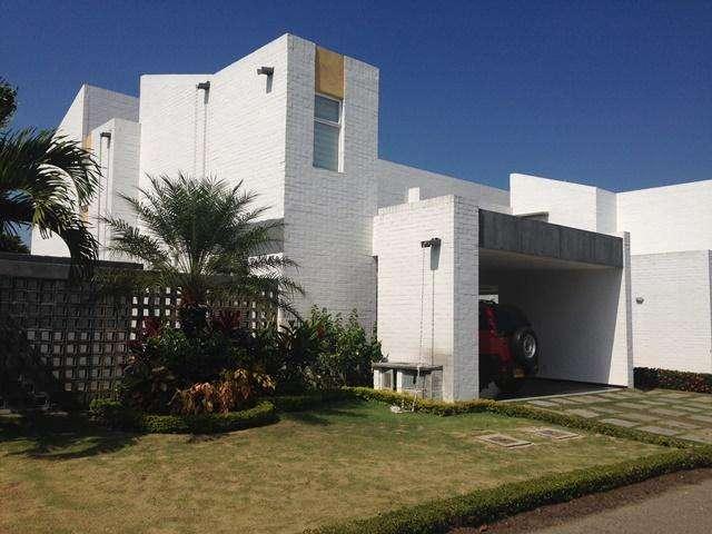 Hermosa y Moderna Casa Hacienda El Castillo