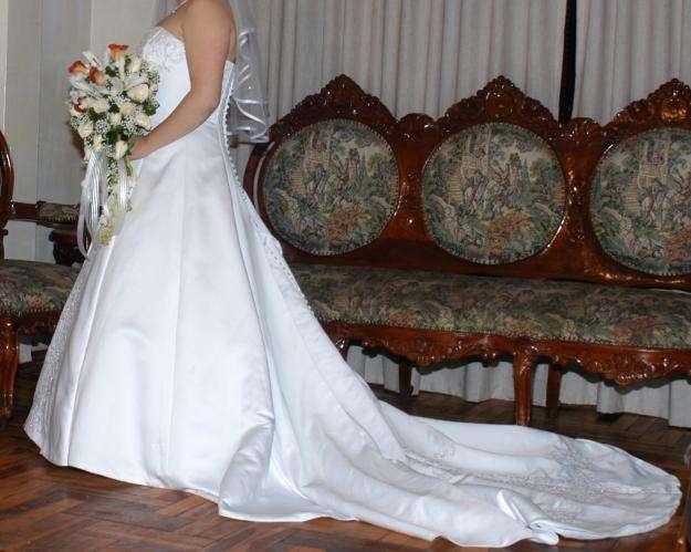 47256aee8 Vestidos de todos los modelos  Ropa y Calzado en venta en Pichincha ...