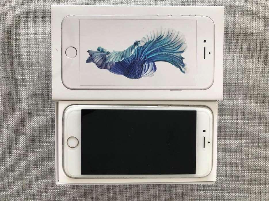 iPhone 6S de 16 en Su Caja Y Cargador Or