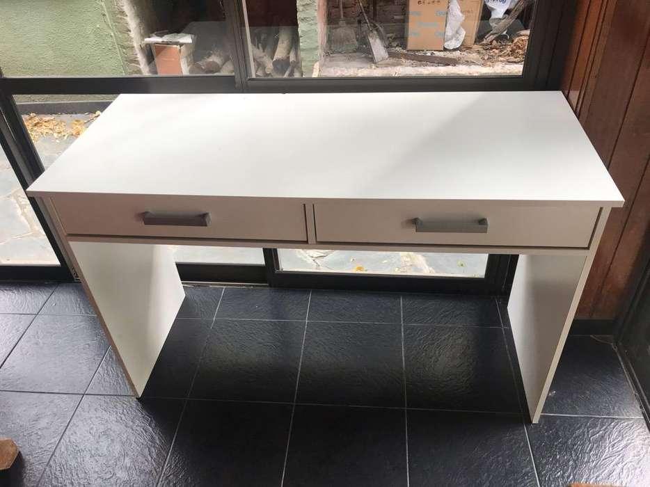 <strong>escritorio</strong> Blanco Impecable