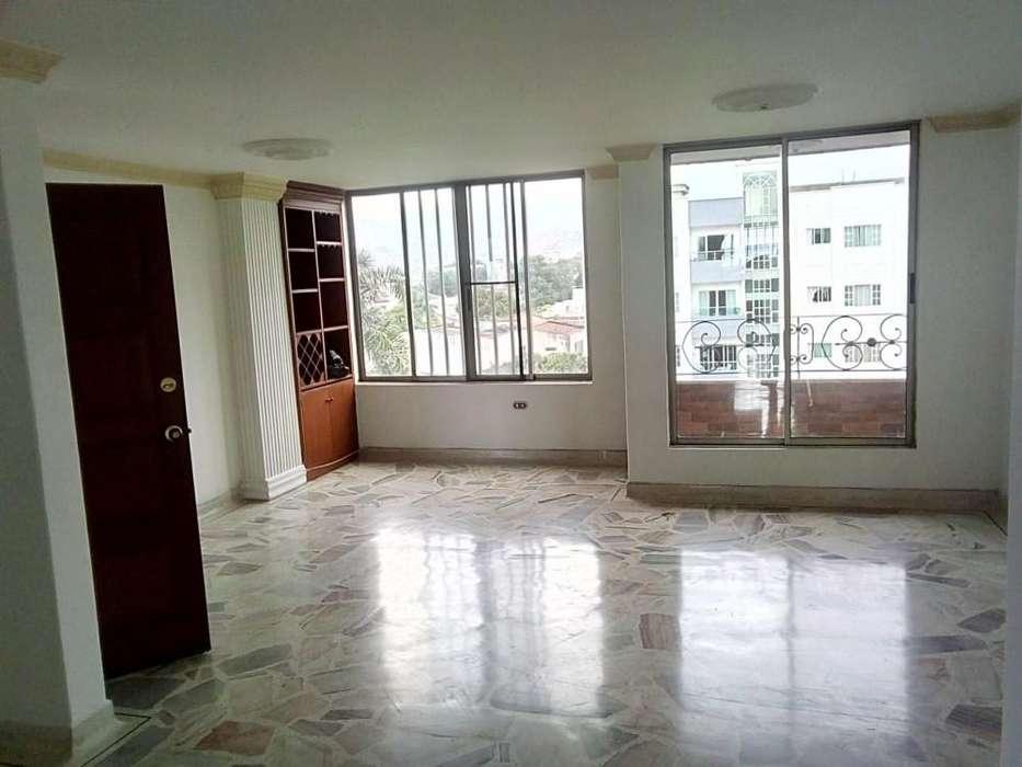 Venta Apartamento amplio en el ingenio 55-00209