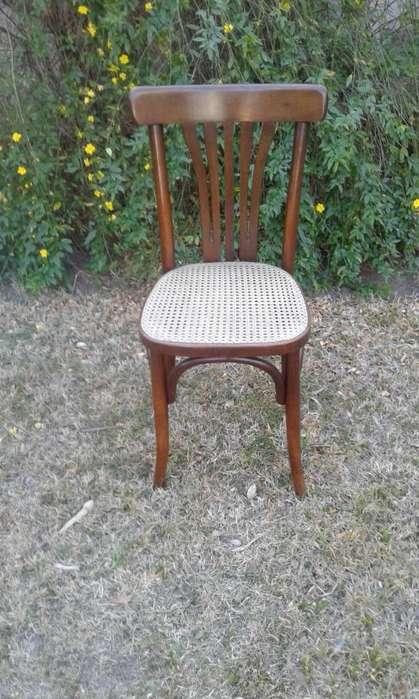 vendo silla antigua con esterilla