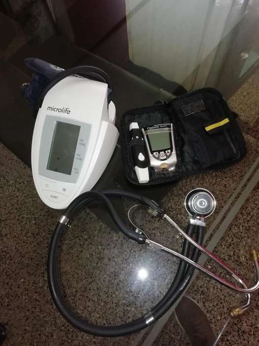 Tensiometro, Fonendoscopio Y Glucometro