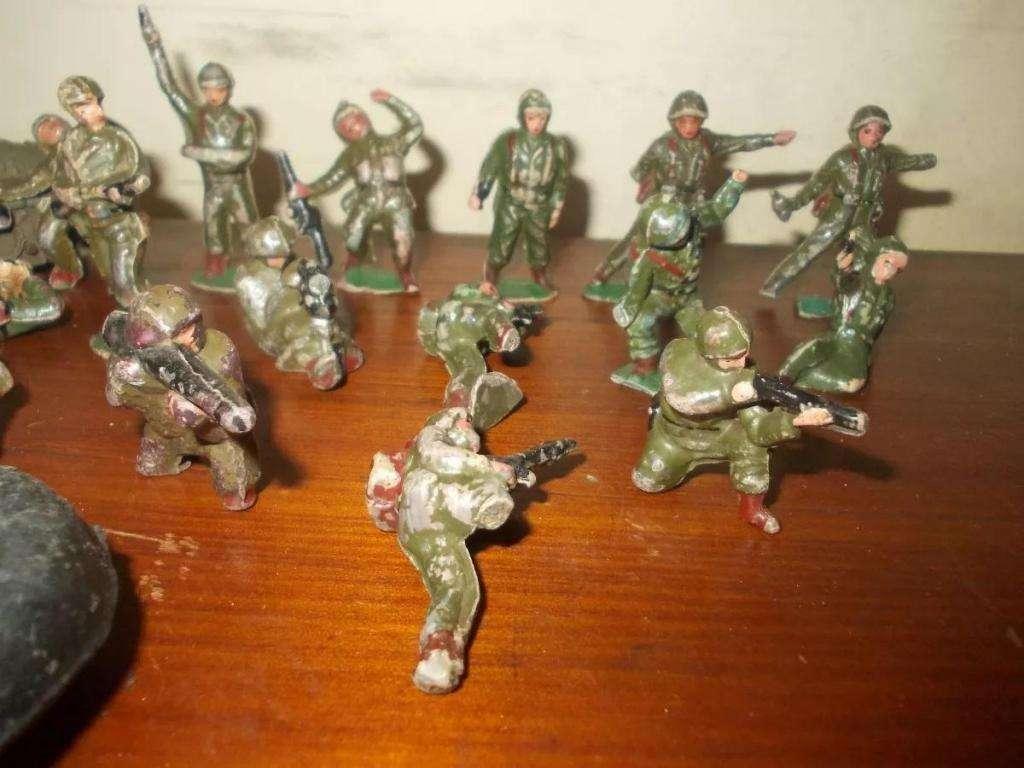 Milchucherias Lote 16 Soldaditos De Baquelita 194