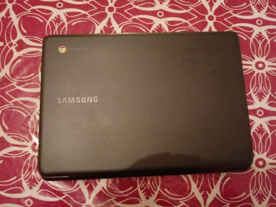 Notebook Chromecargador Y Adaptador