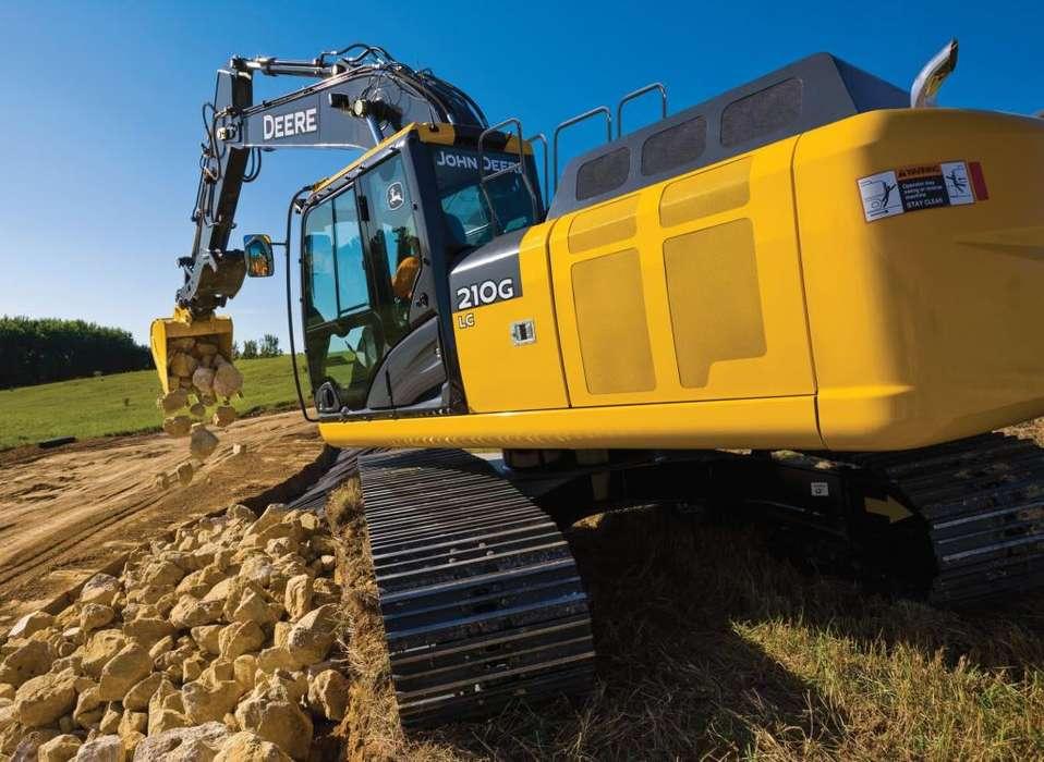 Excavadora John Deere 210G LC