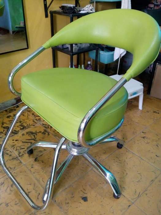 se vende silla de peluquería en buen estado