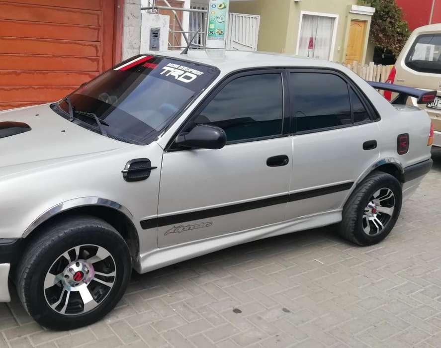 Toyota Corolla 1998 - 320 km