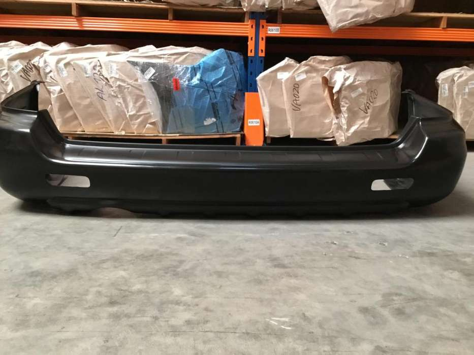 Parachoque trasero Subaru Legacy-Outback 1999-2003