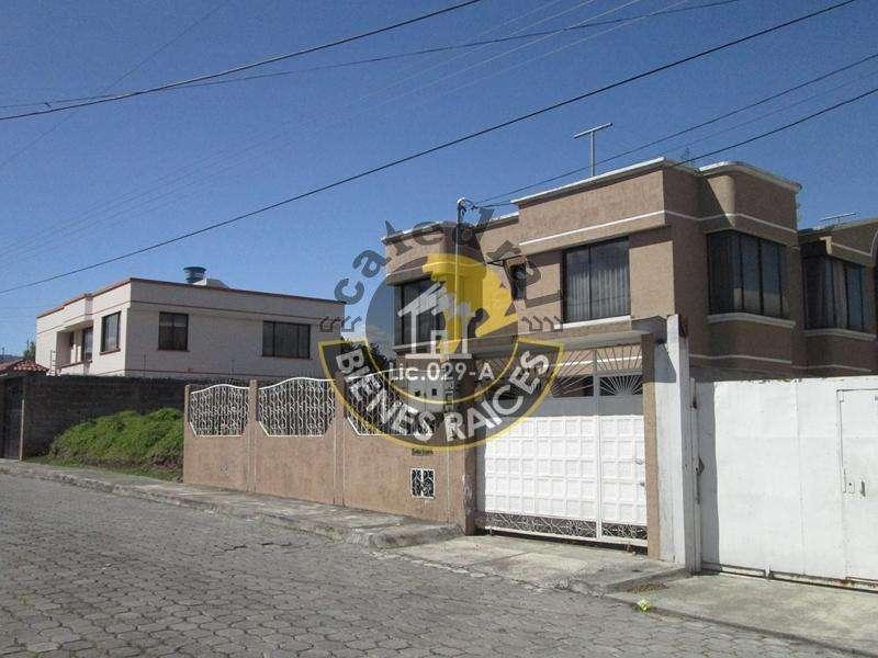 Casa de arriendo en San Nicolas- Los Viñedos/Sangolquí/Valle de los Chillos – código:11598
