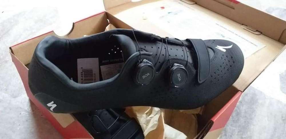 Zapatillas Ciclismo Specialized Torch 3- NUEVAS ORIGINALES