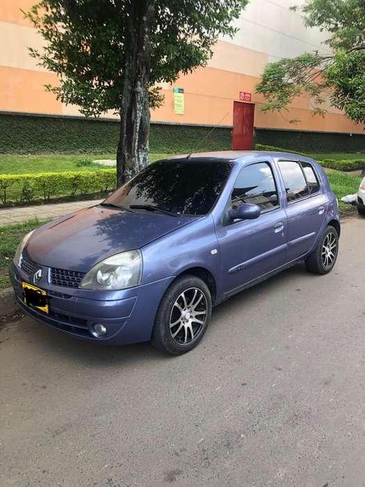 Renault Clio  2007 - 145500 km