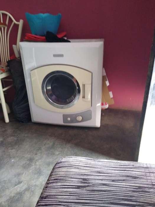 Secadora de 4kg Electrolux 200 Sjl