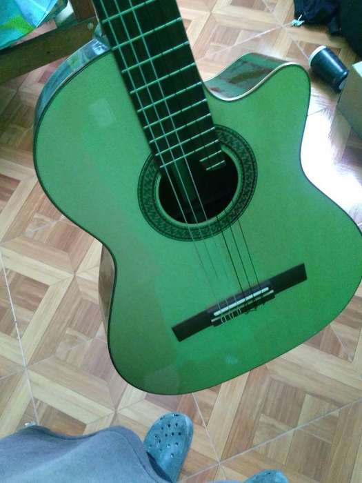 Remato Guitarra Profesional