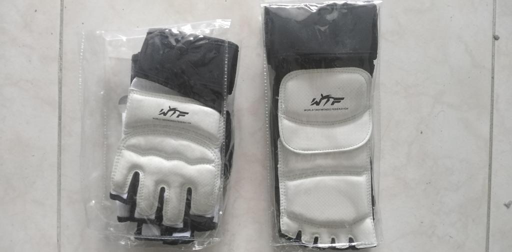 empeineras y guantes para artes marciales