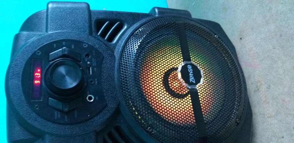 Vendo parlante zense <strong>karaoke</strong>