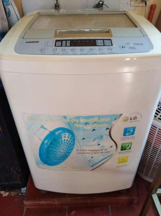 Vendo lavadora y nevera comunicarse al 3004705609