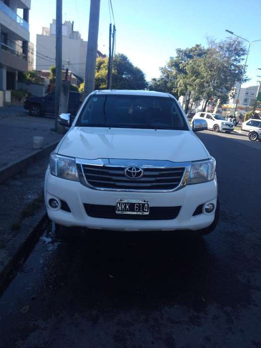<strong>toyota</strong> Hilux 2013 - 204000 km