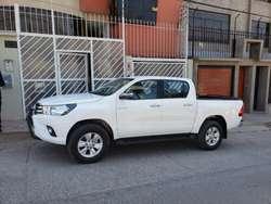 Vendo Toyota Hilux Srv 4x4 2019