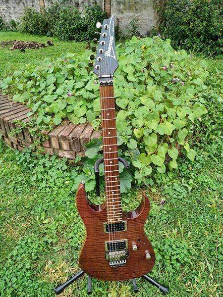 Ibanez RG 320 impecable!