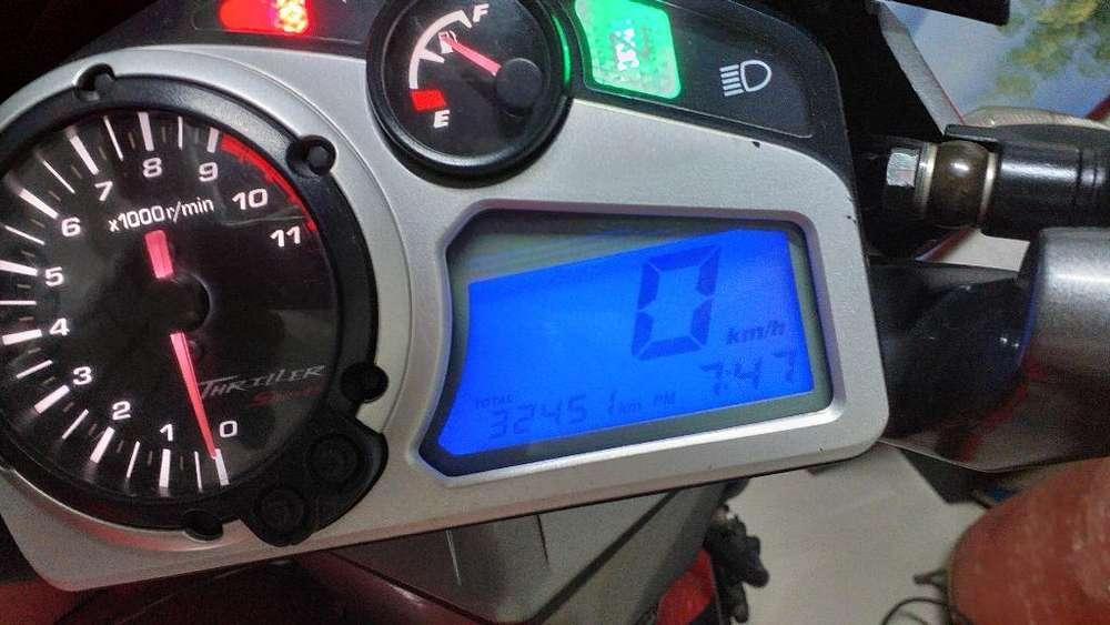 Vendo Moto Hero Thryller 150