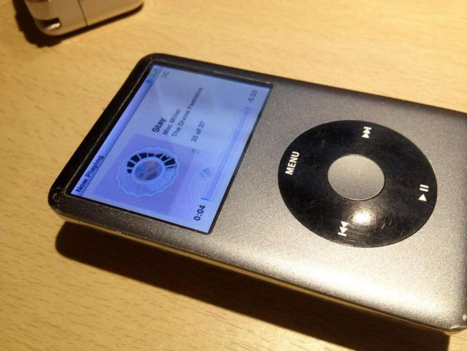 <strong>ipod</strong> CLASSIC 120GB BUEN ESTADO CON CARGADOR Y CABLE ORIGINAL