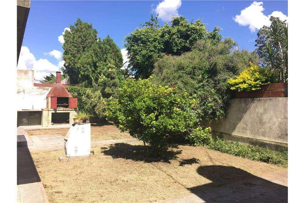 VENTA Casa 3 ambientes a RECICLAR, El Palomar