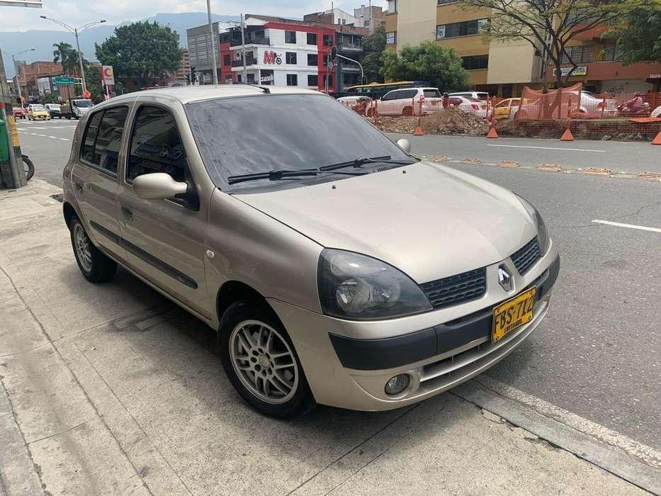 Renault Clio  2006 - 139000 km