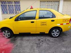 se vende taxi 2018 de cooperativa en el norte de quito