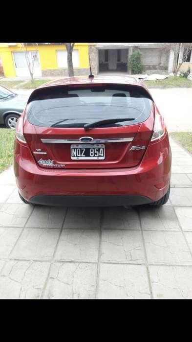 Ford Fiesta  2014 - 83000 km