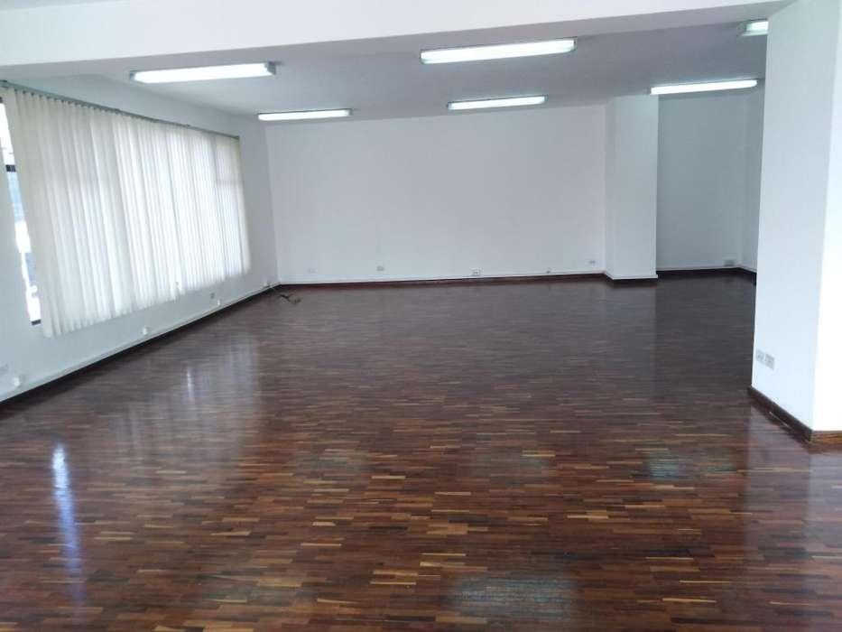 Oficina de Arriendo Centro Norte de Quito Sector Amazonas Cod: A346