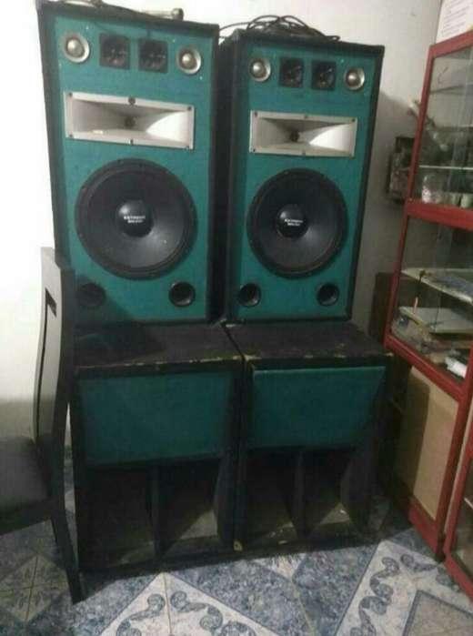 Se Vende Combo Amplificador
