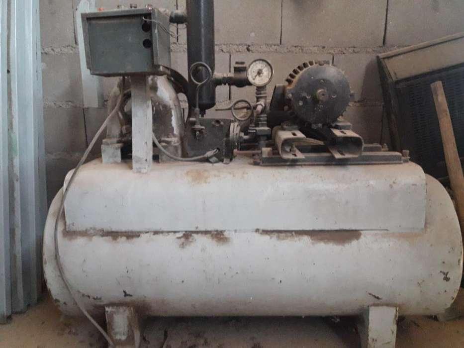 Vendo Compresor Trifasico Exelente Estad