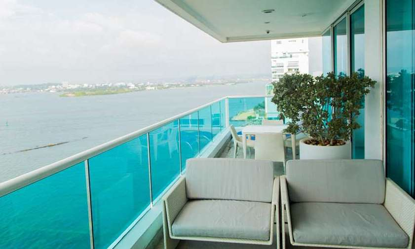 ESPECTACULAR PENTHOUSE FRENTE AL MAR