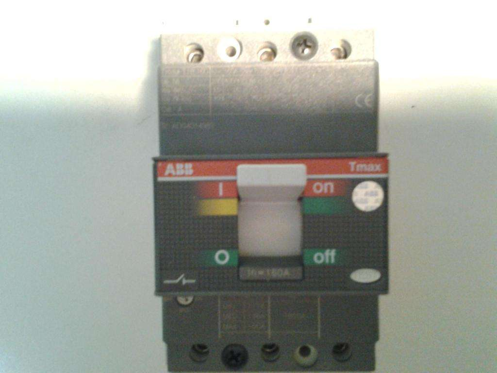 Interruptor trifasico c/reg hasta 160A