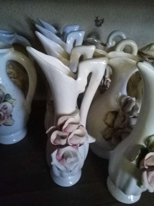 Floreros y Jarras de Ceramica. Variedad y Cantidad
