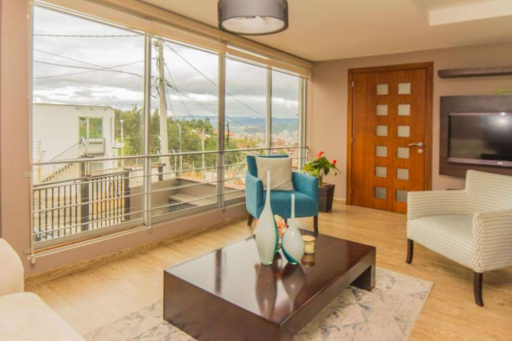 Vendo departamento balcón 3 dormitorios Pencas